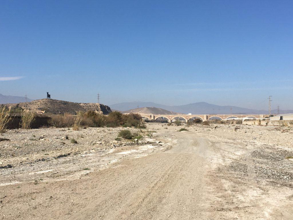 Ein Bild, das draußen, Strand, Wüste, Schmutz enthält.  Automatisch generierte Beschreibung
